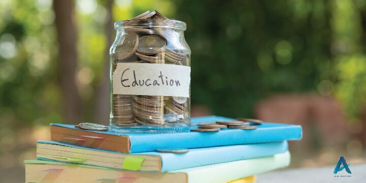کمک هزینه های تحصیلی کانادا